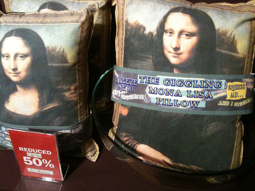 mona-lisa-pillow